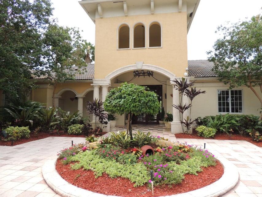 800 Crestwood Court 809 Royal Palm Beach, FL 33411 photo 3