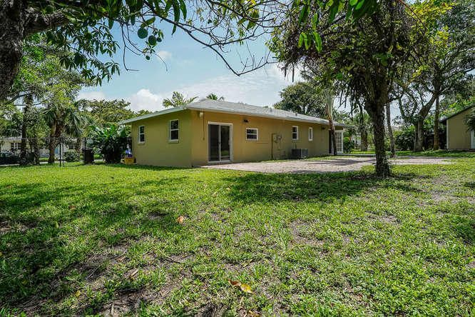936 Upland Road West Palm Beach, FL 33401 small photo 32