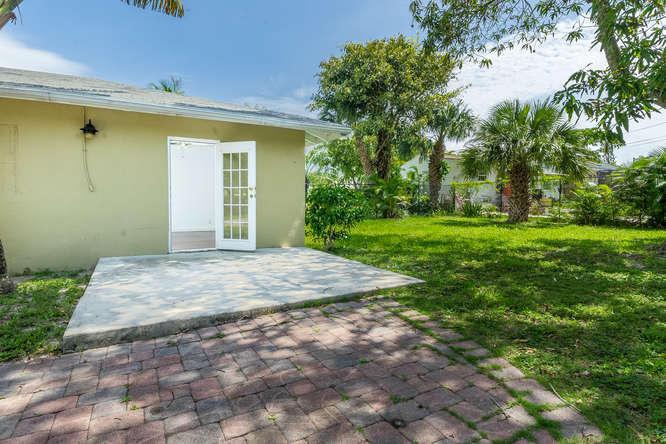 936 Upland Road West Palm Beach, FL 33401 photo 18