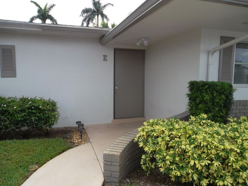 2885 Crosley Drive E , West Palm Beach FL 33415 is listed for sale as MLS Listing RX-10436445 8 photos