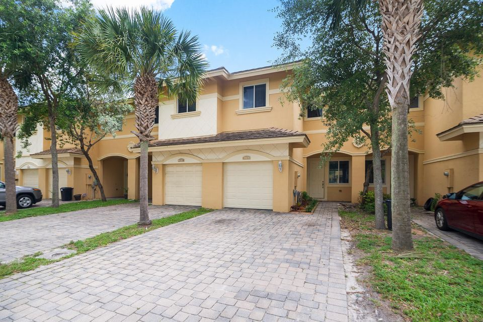 Home for sale in Coventry Lake Worth Florida