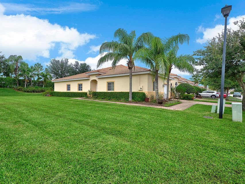 9967 Galleon Drive  West Palm Beach, FL 33411