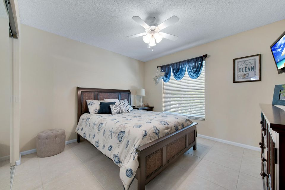 5026 Prairie Dunes Village Circle Lake Worth, FL 33463 photo 16