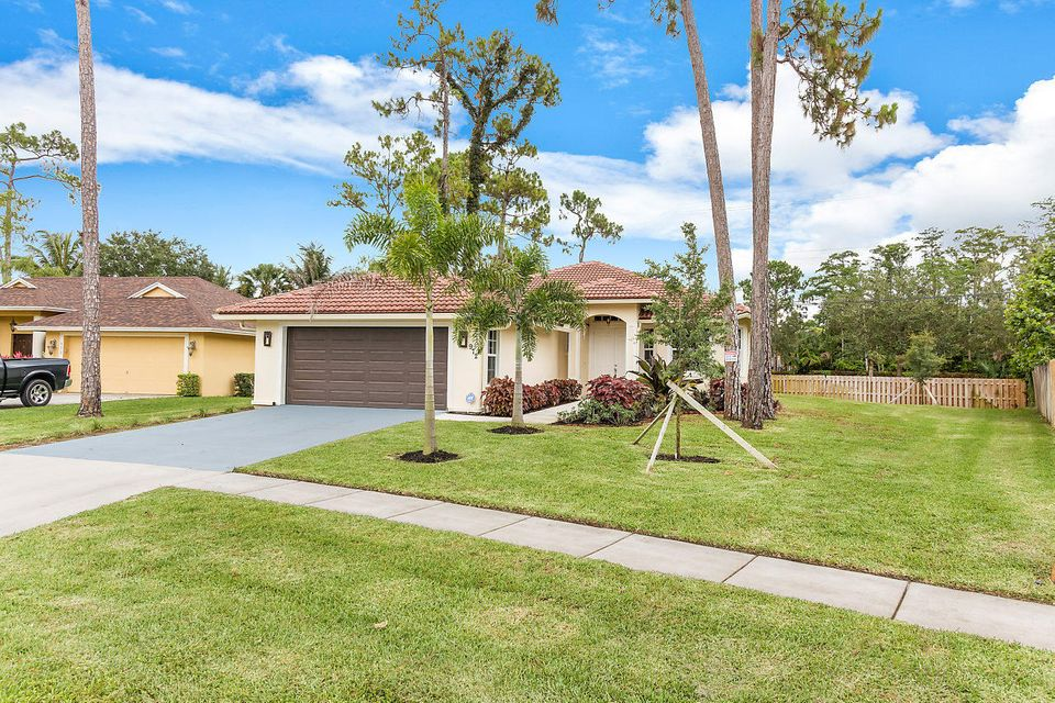 972 Lemongrass Lane  Wellington, FL 33414