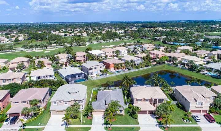 2235 Ridgewood Circle Royal Palm Beach, FL 33411 photo 29