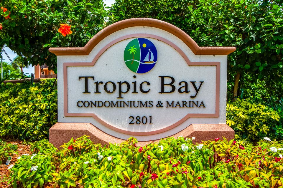 911 Gardenia Drive 453 Delray Beach, FL 33483 photo 25