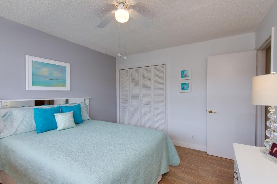 911 Gardenia Drive 453 Delray Beach, FL 33483 photo 22