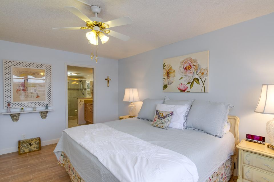 911 Gardenia Drive 453 Delray Beach, FL 33483 photo 15