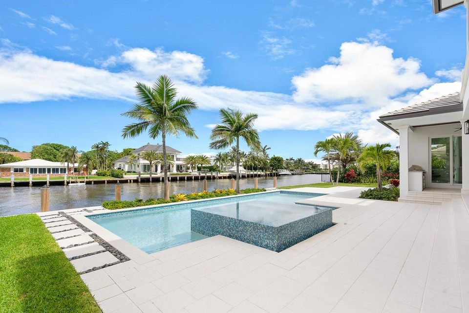 Photo of  Ocean Ridge, FL 33435 MLS RX-10328354