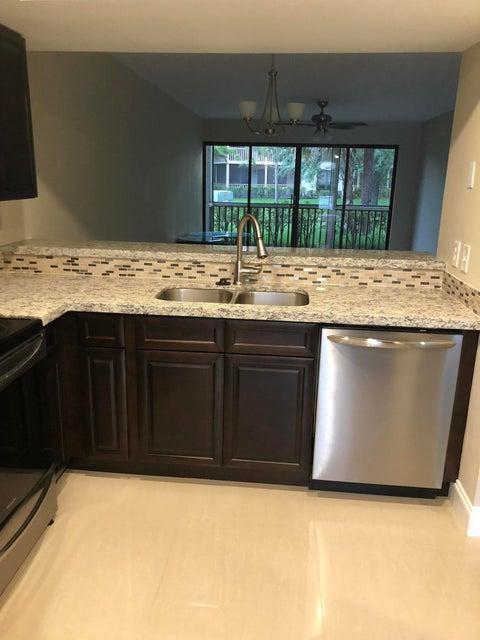 Photo of 515 Brackenwood Palm Beach Gardens FL 33418 MLS RX-10436827