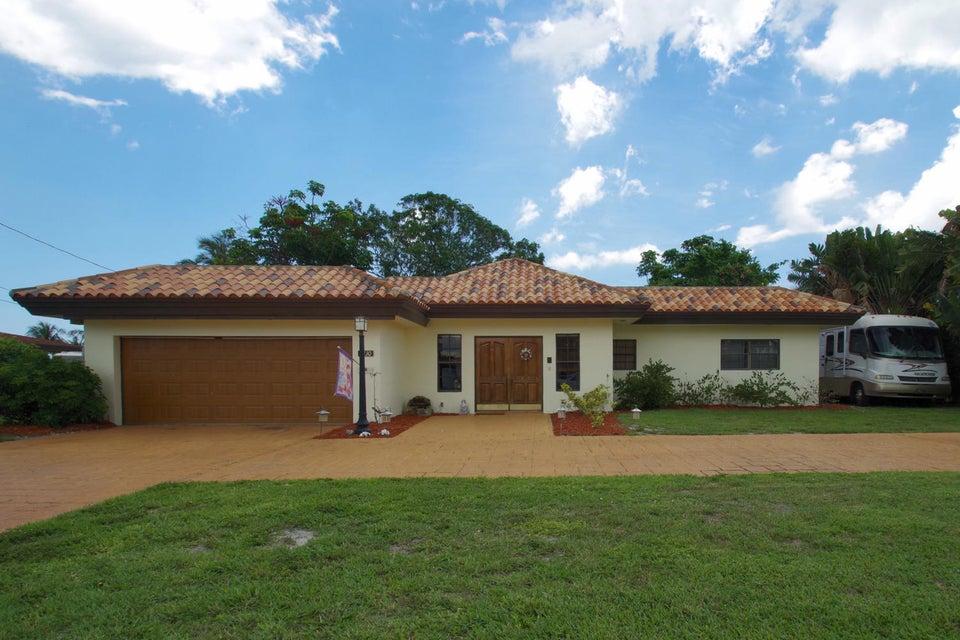 7430 Pine Tree Lane  Lake Clarke Shores FL 33406