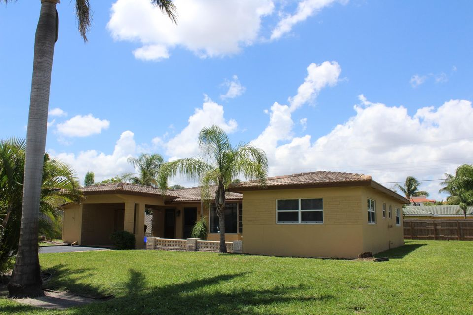 BOCA ISLANDS SEC 1 home on 343 SW 13th Street