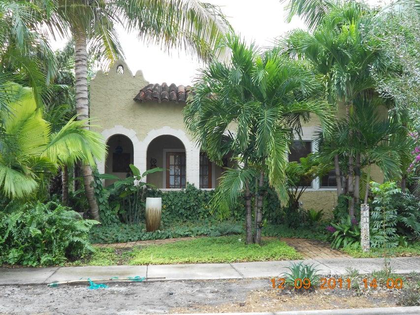 818 Avon Road West Palm Beach, FL 33401 photo 1