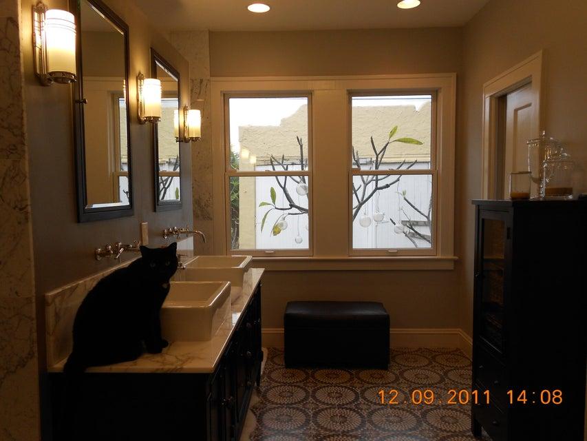818 Avon Road West Palm Beach, FL 33401 photo 12
