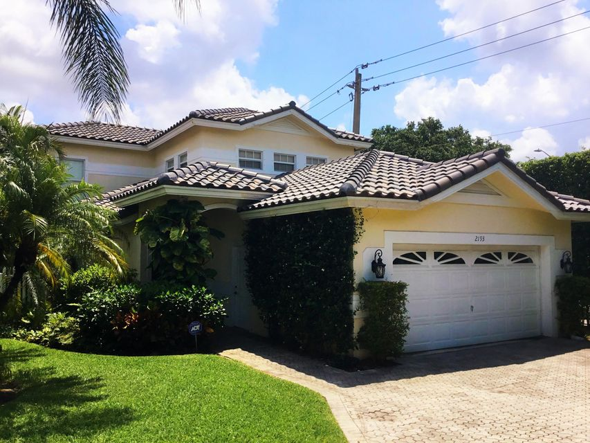 2193 Regents Circle  West Palm Beach, FL 33409