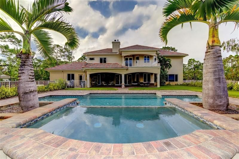 13956 Coco Plum Road , Palm Beach Gardens FL 33418 is listed for sale as MLS Listing RX-10437165 28 photos