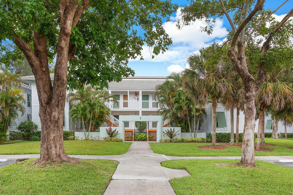 260 Cypress Point Drive 260 , Palm Beach Gardens FL 33418 is listed for sale as MLS Listing RX-10437117 20 photos