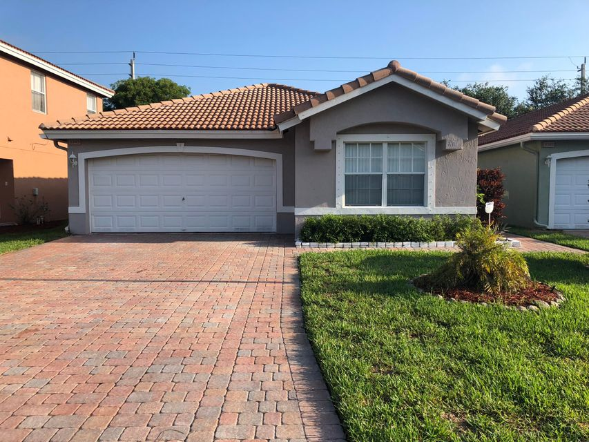 3345 Turtle Cove  West Palm Beach, FL 33411