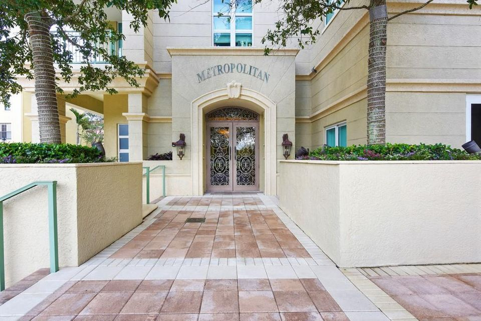 403 S Sapodilla Avenue 112  West Palm Beach, FL 33401