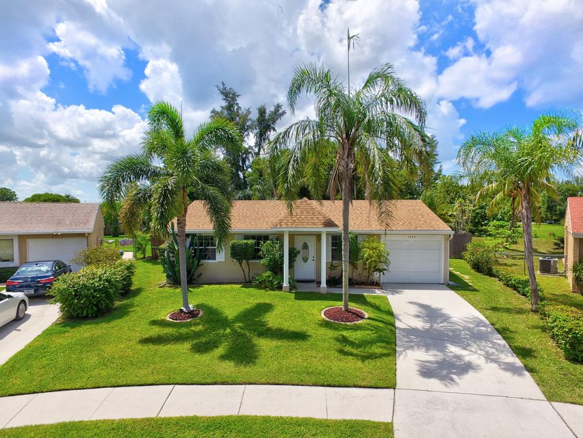 1337 Elmbank Way Royal Palm Beach, FL 33411 photo 2