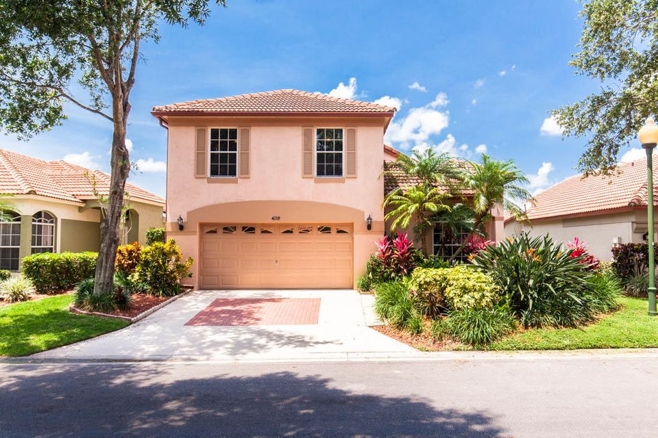 4119 Dakota Place , Palm Beach Gardens FL 33418 is listed for sale as MLS Listing RX-10437492 43 photos