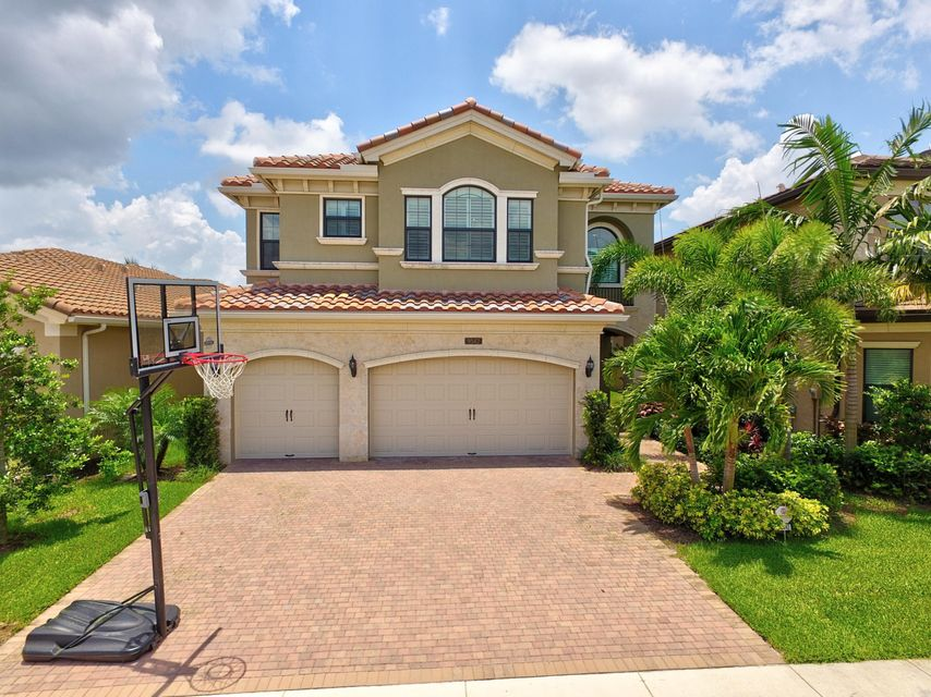 9542 Eden Roc Court  Delray Beach, FL 33446