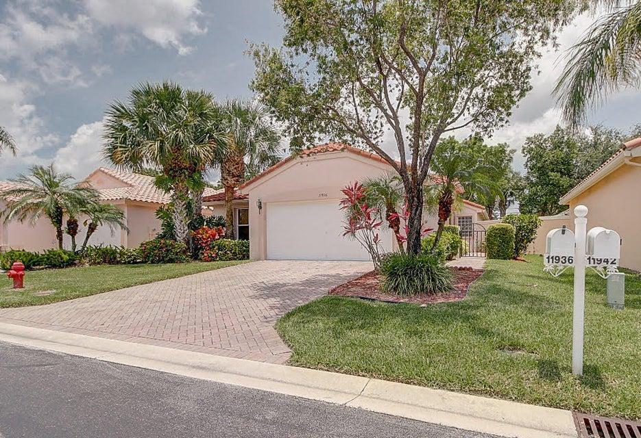 CASCADE LAKES home 11936 Rosetree Terrace Boynton Beach FL 33437