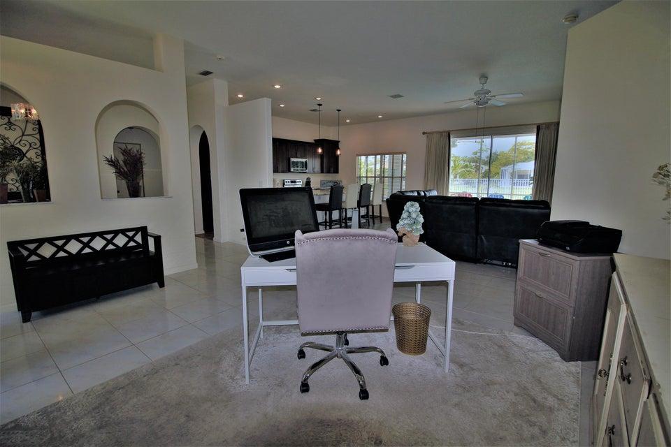 130 Fernwood Royal Palm Beach, FL 33411 photo 14