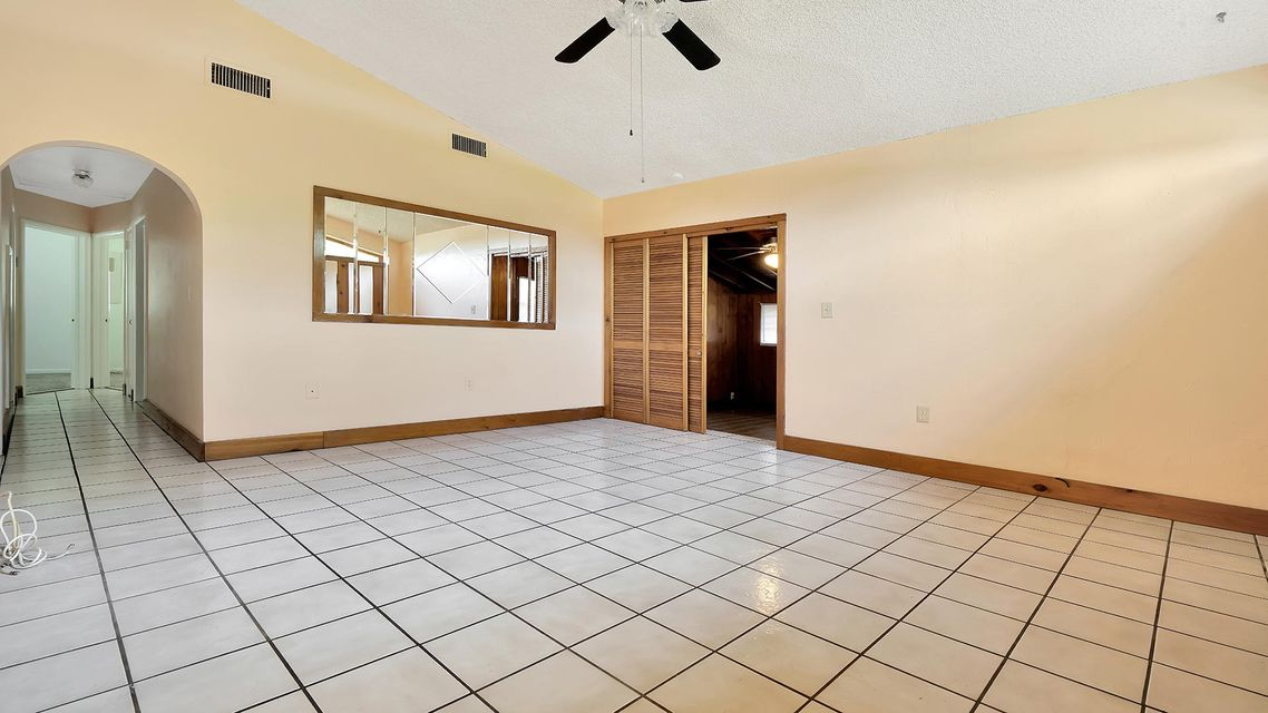 335 Forest Estate Drive West Palm Beach, FL 33415 small photo 6