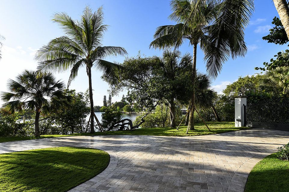 1555 S Ocean Boulevard , Manalapan FL 33462 is listed for sale as MLS Listing RX-10437610 photo #7
