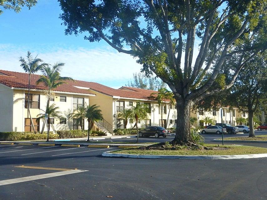 1482 Lake Crystal Drive C West Palm Beach, FL 33411 photo 2