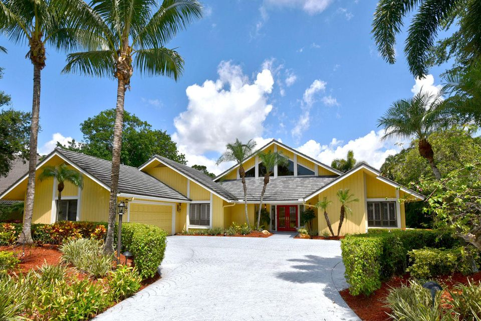3 Banchory Court , Palm Beach Gardens FL 33418 is listed for sale as MLS Listing RX-10363858 40 photos