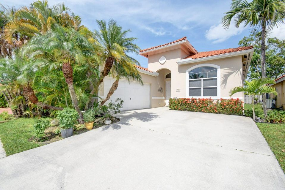 Home for sale in SPINNAKER BAY AT LAKE CHARLESTON Lake Worth Florida