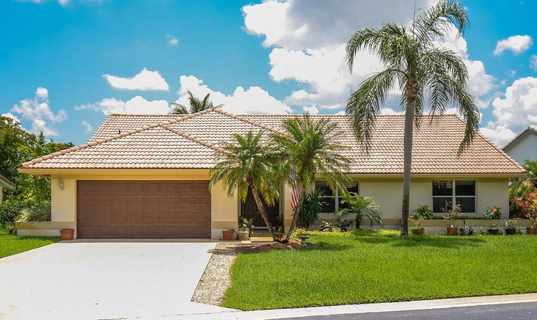 6733 Brookhurst Circle  Lake Worth, FL 33463