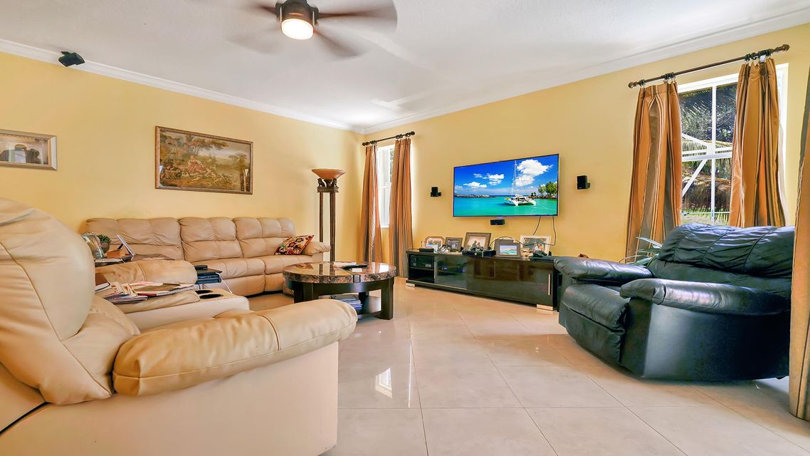 7268 Viale Sonata Lake Worth, FL 33467 photo 4