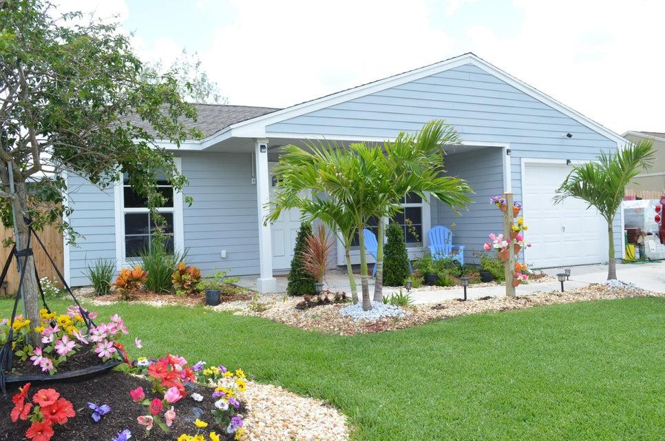 1056 Stardust Way  Royal Palm Beach, FL 33411