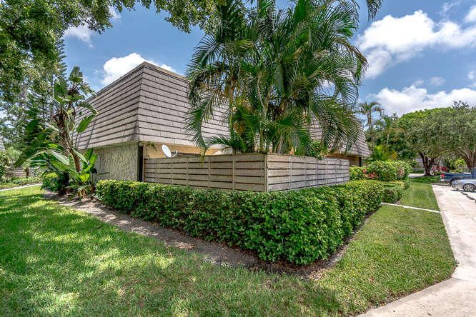 1522 15th Terrace 1522  Palm Beach Gardens FL 33418