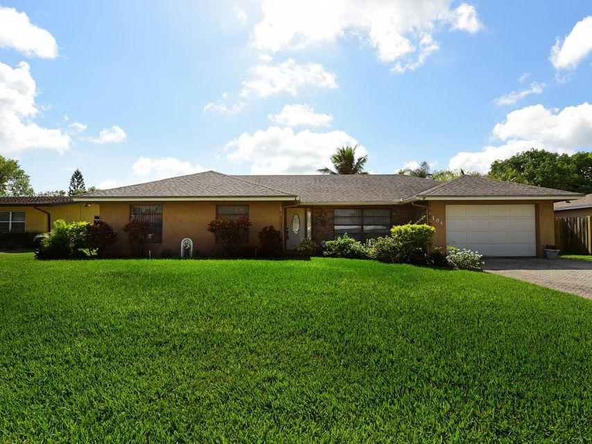 106 Swan Parkway  Royal Palm Beach, FL 33411