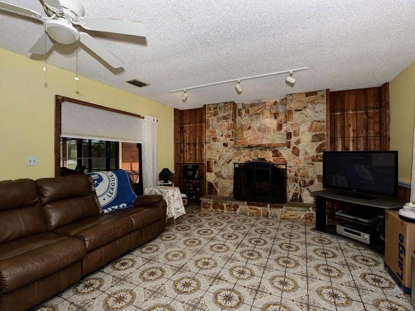 106 Swan Parkway Royal Palm Beach, FL 33411 photo 12
