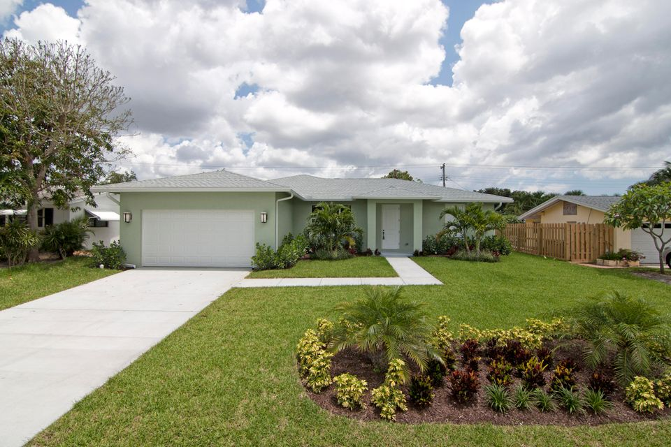 3869 Begonia Street , Palm Beach Gardens FL 33410 is listed for sale as MLS Listing RX-10437776 18 photos