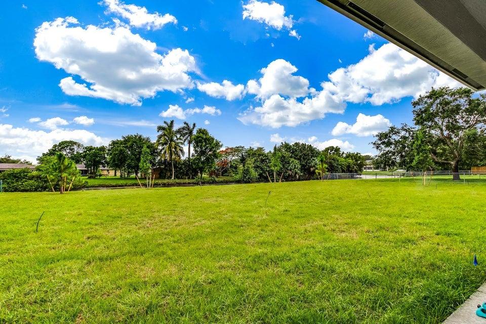 138 Sparrow Drive B Royal Palm Beach, FL 33411 photo 11