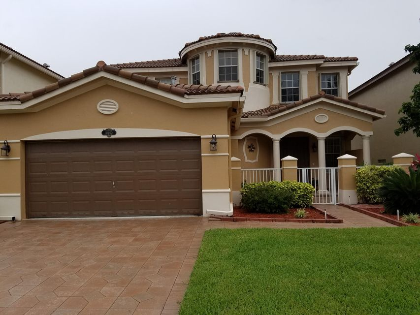 10460 Galleria Street  Wellington, FL 33414