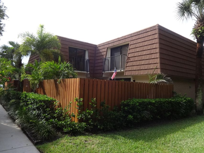 3202 32nd Court , Jupiter FL 33477 is listed for sale as MLS Listing RX-10438653 25 photos