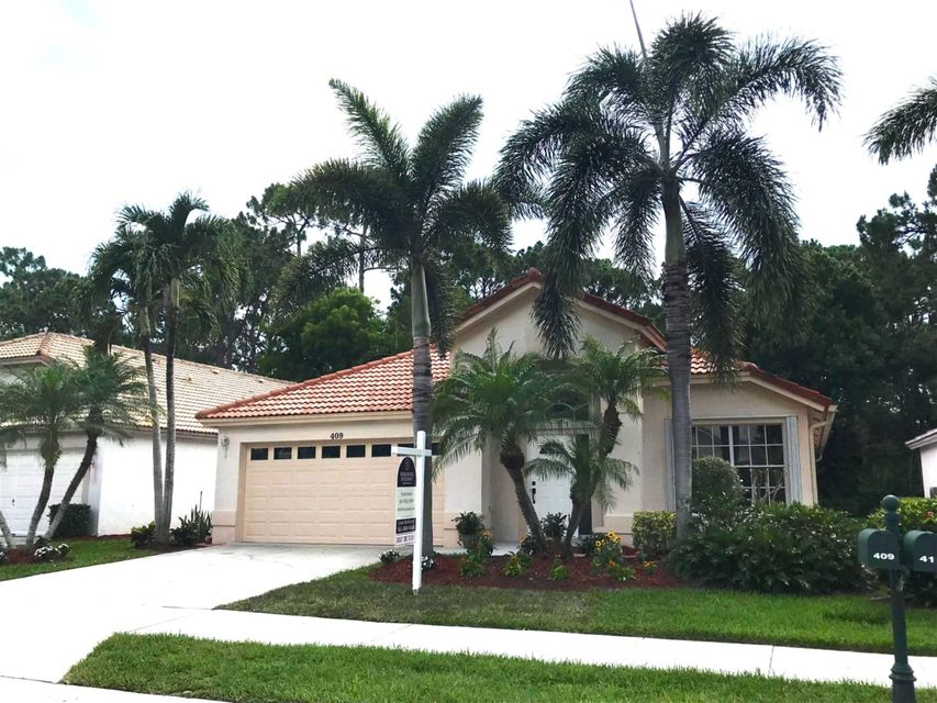 409 Woodview Circle , Palm Beach Gardens FL 33418 is listed for sale as MLS Listing RX-10438685 17 photos