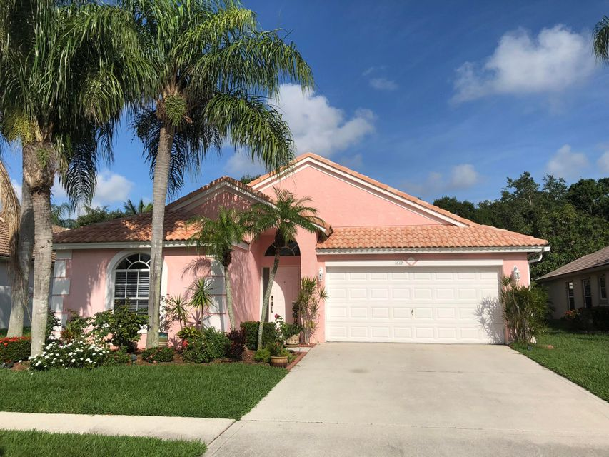 1612 Oak Berry Circle  Wellington, FL 33414