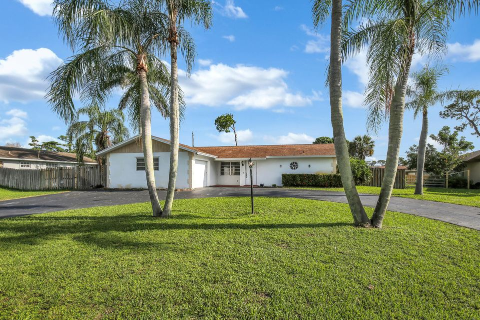 38 W Coconut Drive , Lake Worth FL 33467 is listed for sale as MLS Listing RX-10439496 20 photos