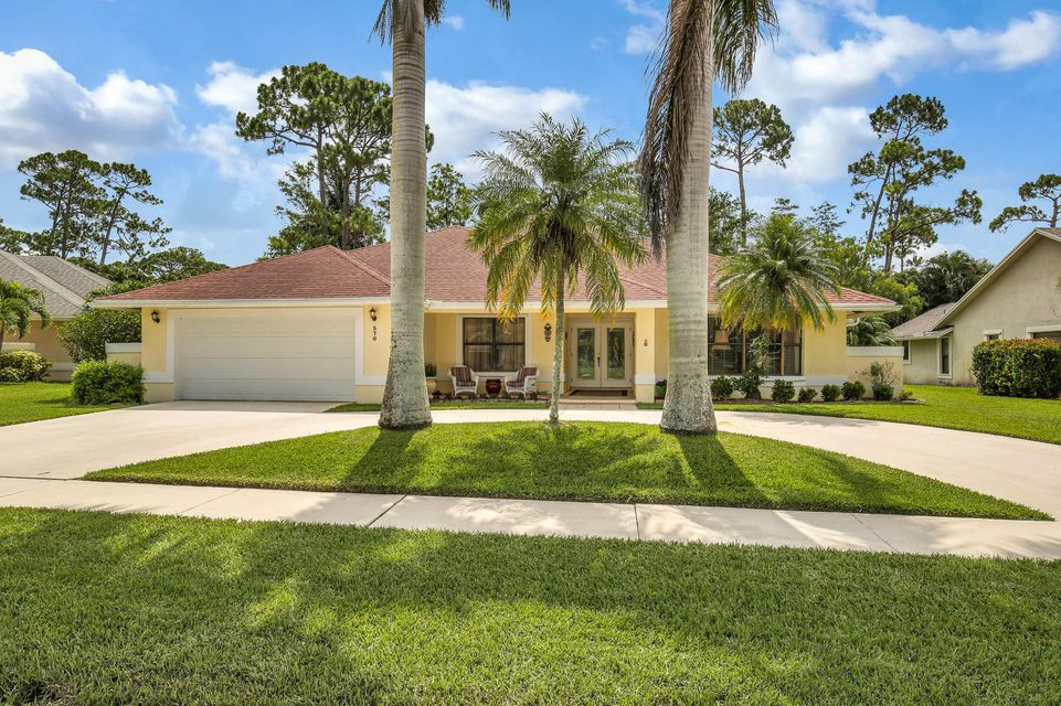570 Kingsbury Terrace Wellington, FL 33414 photo 1