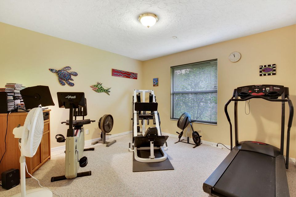 570 Kingsbury Terrace Wellington, FL 33414 photo 15