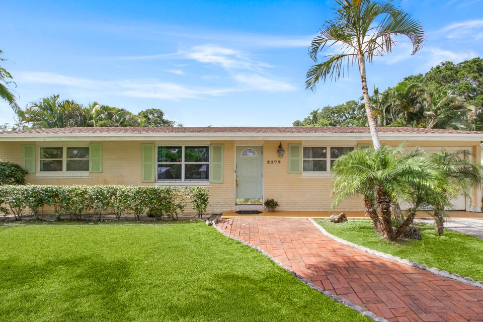 2374 Holly Lane , Palm Beach Gardens FL 33410 is listed for sale as MLS Listing RX-10438940 17 photos