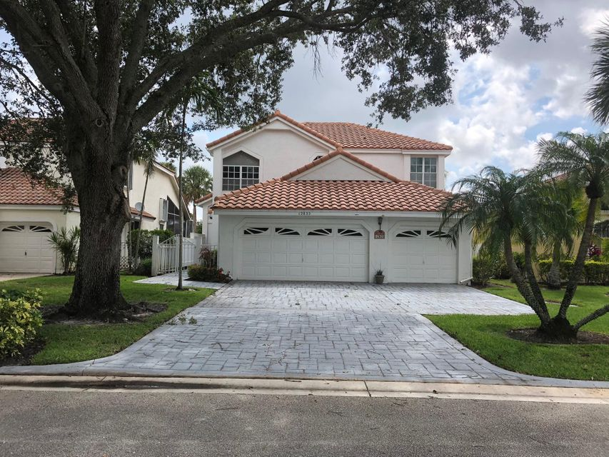 12835 Oak Knoll Drive , Palm Beach Gardens FL 33418 is listed for sale as MLS Listing RX-10438957 27 photos